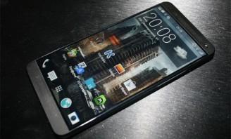 疑似HTC M8真机曝光 配双摄像头+双闪光灯